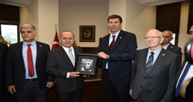 Kadıköy Belediyesi'nde Görev Değişimi: Şerdil Dara Odabaşı Görevine Başladı