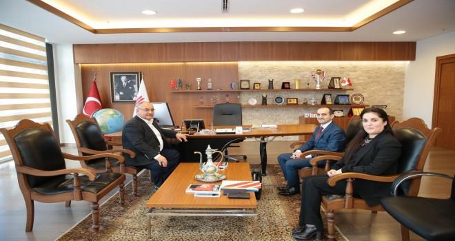 Ümraniye Belediye Başkanı Hasan Can, İstanbul Su ve Kanalizasyon İdaresi Ümraniye Şube Müdürü Battal Kamiloğlu'nu makamında ağırladı.