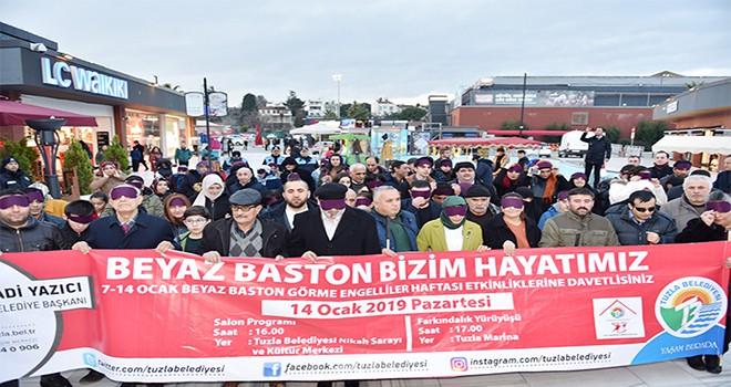 Dr. Fatma Yazıcı ve Tuzlalılar, Görme Engelliler Haftası'nda Göz Bandıyla Yürüyüş Düzenlendi