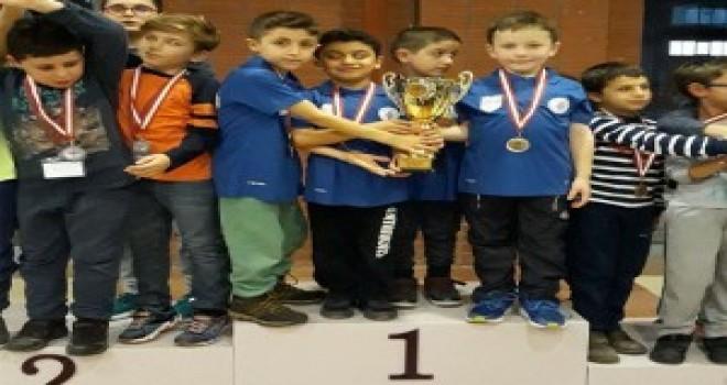 Ümraniye Belediyesi Satranç Kulübü Anadolu Yakası Birincisi Oldu