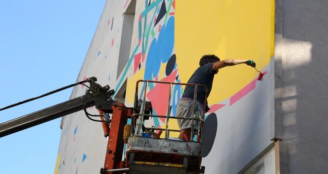 Kadıköy'de Duvarlar Sanatla Buluşmaya Devam Ediyor