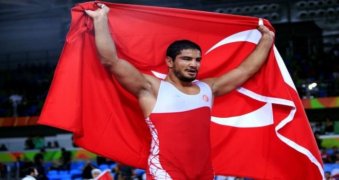 Avrupa Şampiyonu Taha Akgül