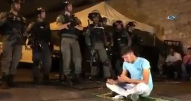 İsrail Polisi 21 Filistinliyi Yaraladı