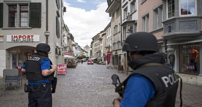 İsviçrede Testereli Saldırgan Dehşeti: 5 Yaralı