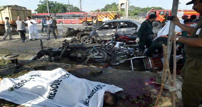 Pakistanda Bilanço Arttı: Çoğu Polis 25 Ölü