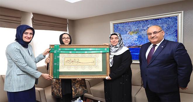 Başkan Hasan Can'dan Kadın ve Demokrasi Derneği'ne Ziyaret
