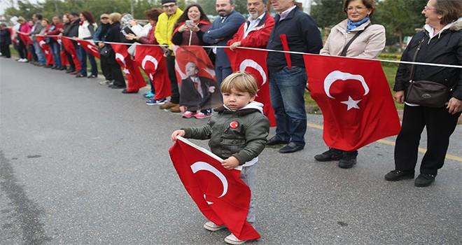 10 Kasım'da Atatürk İçin El Ele