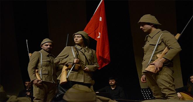 """Tuzla Belediyesi Gençlik Merkezi, """"Çanakkale Oratoryosu""""nu Sahneledi"""