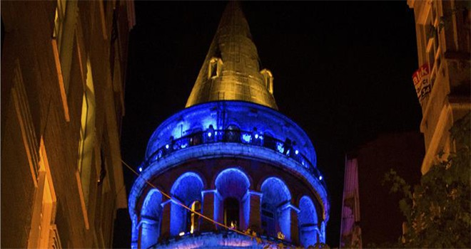 Galata Kulesi Ve Boğaz Köprüleri Dünya  Kanser Günü Nedeniyle Mavi-Turuncu Yanacak