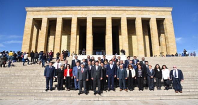 Kadıköy Belediye Başkanı Odabaşı ve Meclis Üyeleri Ata'nın Huzurunda