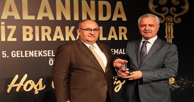Başkan Hasan Can İstanbul Takipte Haber Sitesi'nin Ödül Gecesinde 'Vefa Ödülü'ne Layık Görüldü