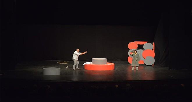 Maltepe'de Tiyatro Şenliği, 'Açık Aile' oyunuyla başladı
