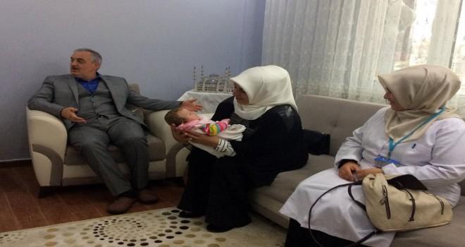 Başkan Aydın Melike bebeği ziyaret etti
