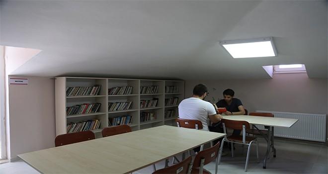 """Türkiye Yazarlar Sendikası, Maltepe'de """"Edebiyat Kütüphanesi"""" açtı"""