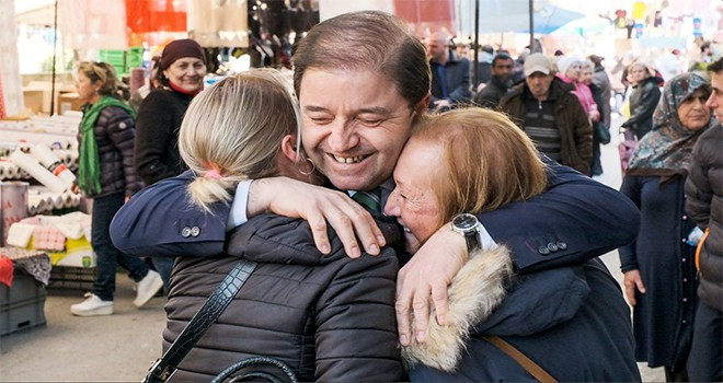 Maltepe Pazarı'nda Başkan Ali Kılıç'a sevgi seli