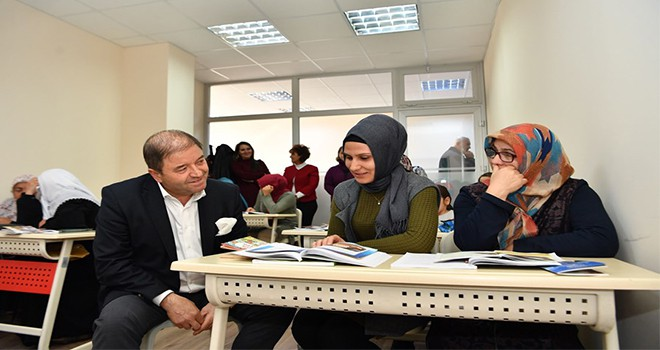 Maltepe Belediyesi'nden kadınlara kurs desteği