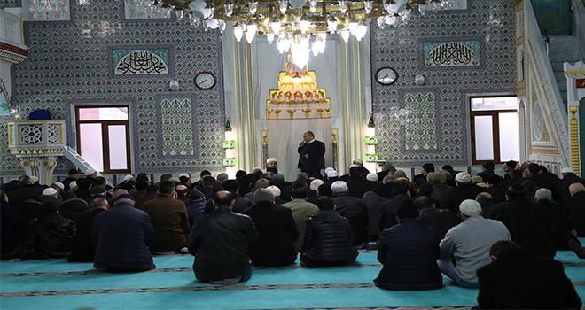 Başkan Hasan Can Sabah Namazı Buluşmalarında Meyveli Bahçe Camii Cemaatiyle Bir Araya Geldi
