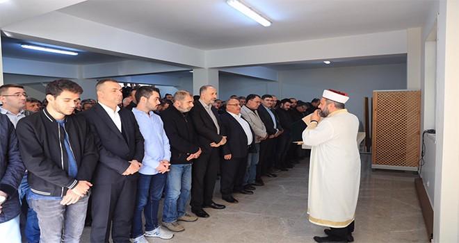 Başkan Hasan Can Ümraniye Belediye Meclis Üyesi Enver Pehlivan'ın Annesinin Cenazesine Katıldı