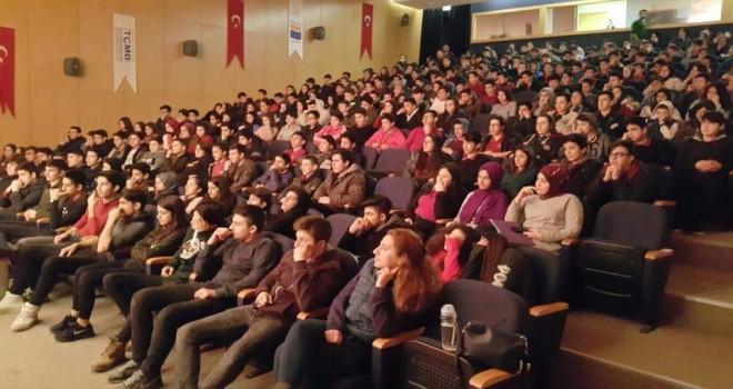 """Kültür Sanat Okulda Başlar Programında """"Bir Şubat Evi"""" Tiyatro Oyunu Sahnelendi"""