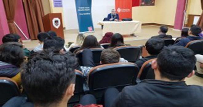Gazeteci-Yazar Özcan Ünlü Ümraniyeli Öğrencilerle Bir Araya Geldi