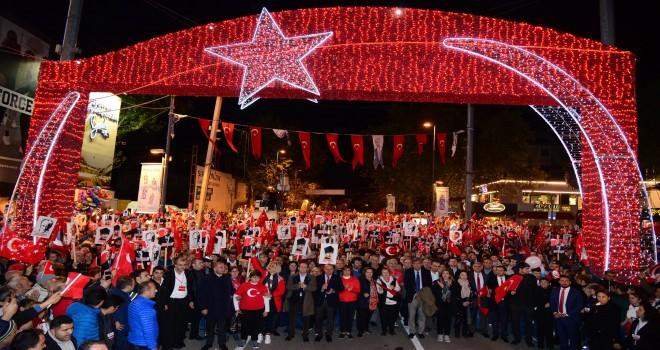 Kadıköy'de Yüz Binler Cumhuriyet İçin Yürüdü
