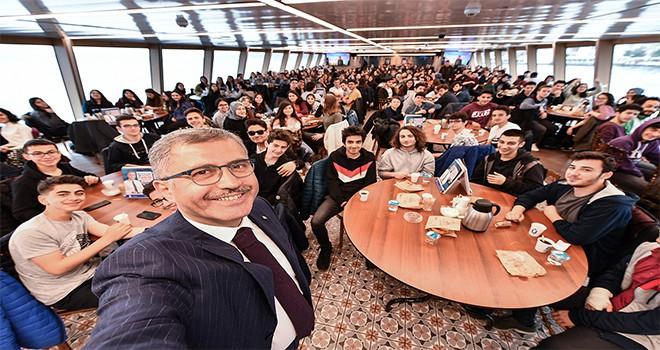 İstanbul Üsküdar Lisesi Valide Sultan Gemisi'nde