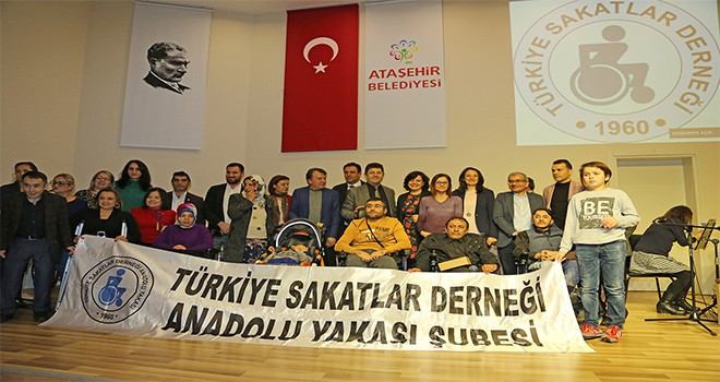 Engelli Vatandaşlara Tekerlekli Sandalye Dağıtıldı