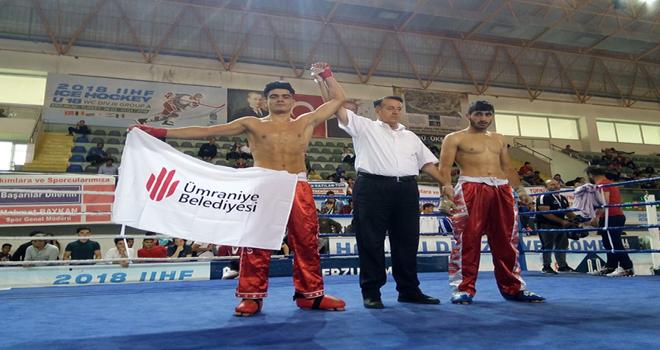ümraniye belediyesi boksörlerin şampiyonluğu ve başarılarıyla adından söz ettirdi.