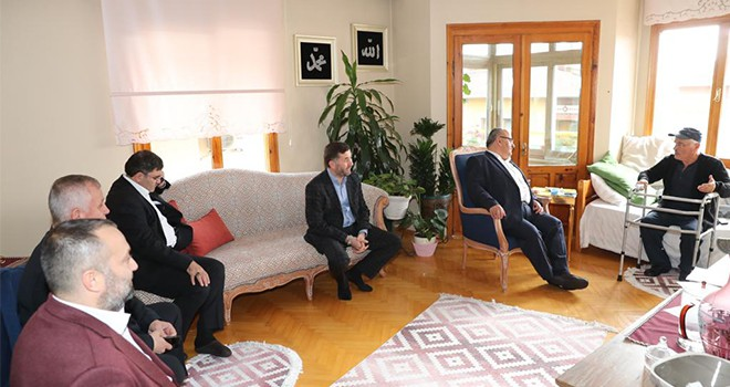 Başkan Hasan Can Ümraniye Kanaat Önderlerinden Nizamettin Erdem'e Geçmiş Olsun Ziyaretinde Bulundu
