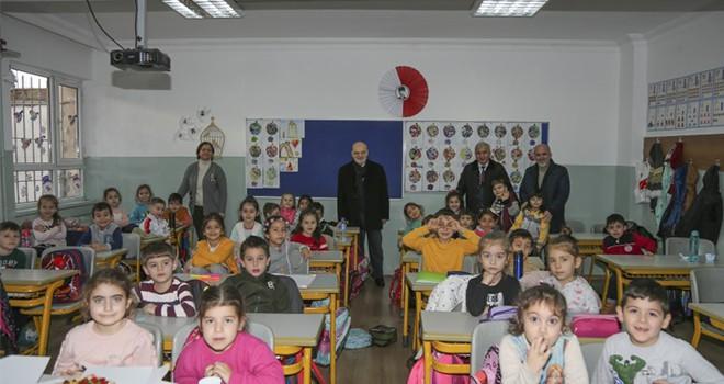Başkan Çelikbilek, Fatin Hoca İlköğretim Okulu 1-C Sınıfı Öğrencilerini Ziyaret Etti