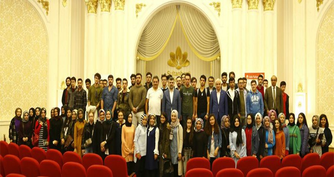 Başkan Keskin Üniversiteli Gençlerle Buluştu