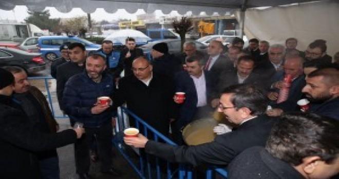 Başkan Hasan Can Bu Hafta da Kadosan Camii'nde Çorba İkramında Bulundu