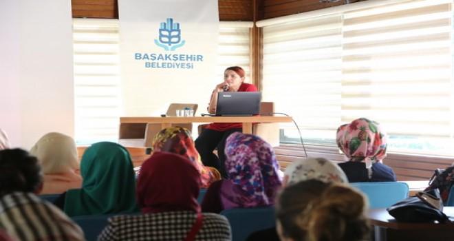 Anne adaylarına BAKMER'de okul başladı