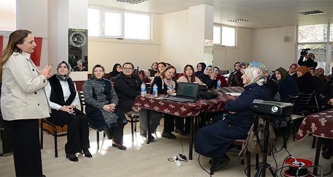 """Tuzla Belediyesi, 'Aile Dostu Eğitim""""lerle Toplumun Geleceğine Yatırım Yapıyor"""