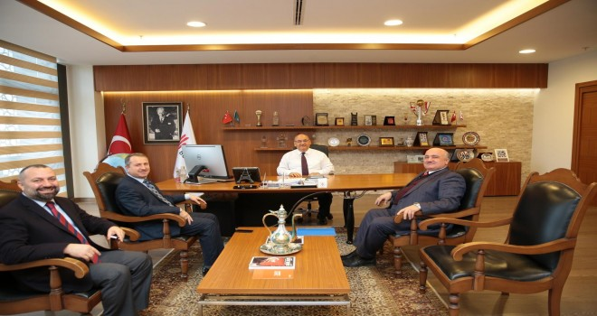 Başkan Hasan Can, Medine Camii Müezzini Ahmet Kayacı ve Cami İmam Hatibi Mehmet Hanefi Pervane'yi Ağırladı