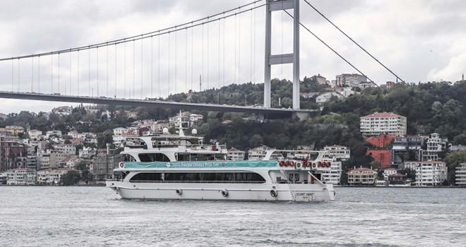 Beykoz Belediyesi sosyal ve kültürel belediyecilik hizmetleri kapsamında ilçe sakinlerini Boğaz Turu'nda ağırlıyor.