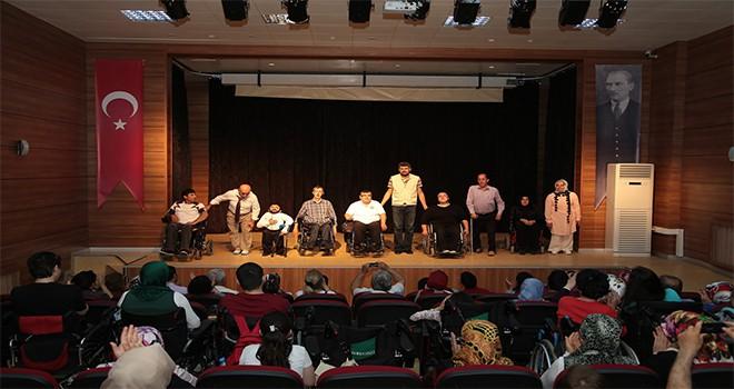 Ümraniye Belediyesi Engelli Tiyatro Grubu Çalışmalarına Devam Ediyor