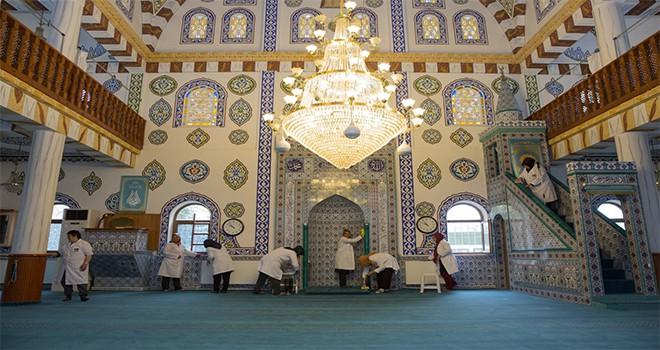 İbadethaneler'de Ramazan Hazırlığı