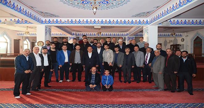 Başkan Hasan Can, Sabah Namazı Buluşmalarında Dudullu Merkez Camii Cemaatiyle Bir Araya Geldi