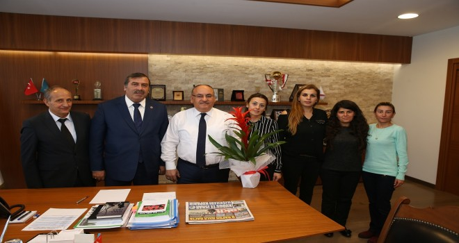 Başkan Hasan Can, Esenkent Muhtarı İsmet Taş ve Teletaş İlkokulu Yönetimini Ağırladı