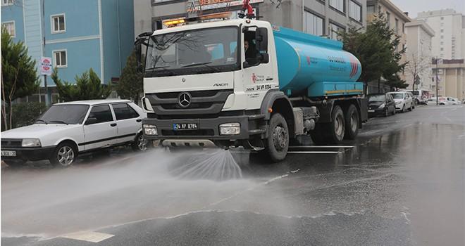 Ümraniye Belediyesi İlçe Genelinde Temizlik Çalışmalarını Sürdürüyor