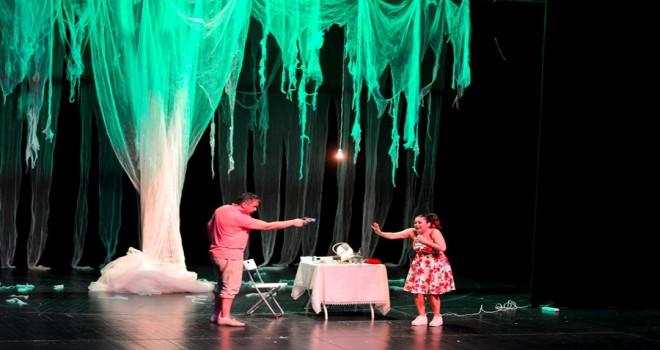 KKTC'li tiyatrocular Maltepe'de sahne aldı