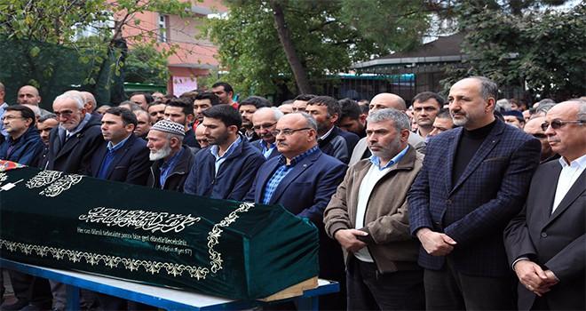 Başkan Hasan Can, Aşağı Dudullu Mahallesi Eski Muhtarı Dursun Zilif'in Annesinin Cenazesine Katıldı