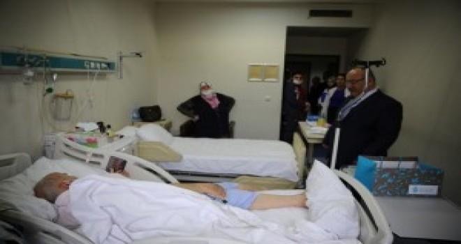 Başkan Hasan Can Ümraniye Eğitim ve Araştırma Hastanesi'nde Tedavi Gören Osman Bayraktar'ı Ziyaret Etti