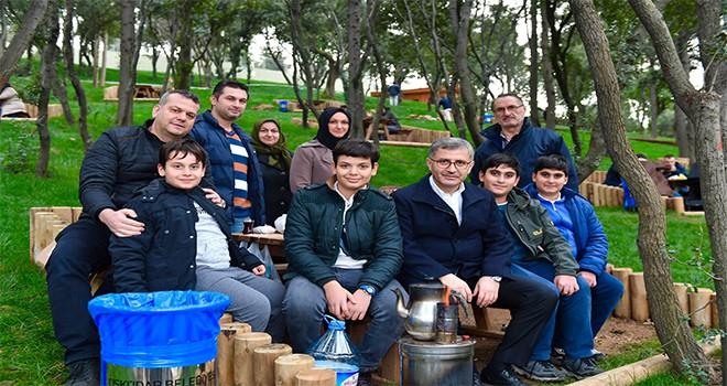 Başkan Türkmen Nakkaştepe Millet Bahçesi'nde Vatandaşlarla Buluştu