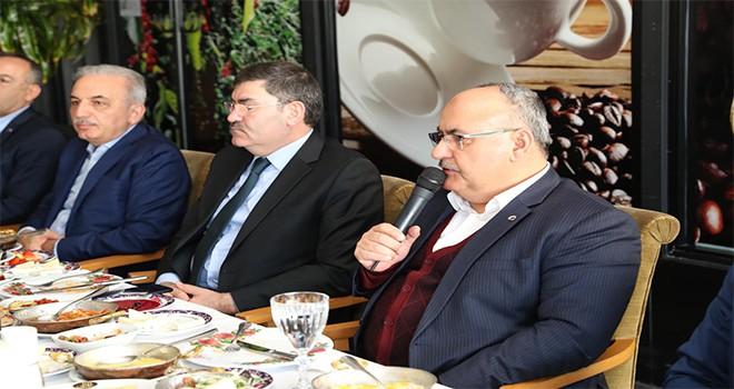 Başkan Hasan Can Ümraniye Belediyesi AK Parti Meclis Üyeleriyle Bir Araya Geldi