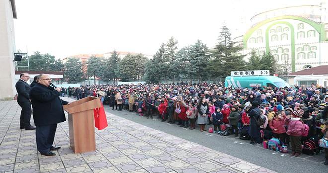 Başkan Hasan Can Yeni Haftaya Bayrak Töreniyle Başladı