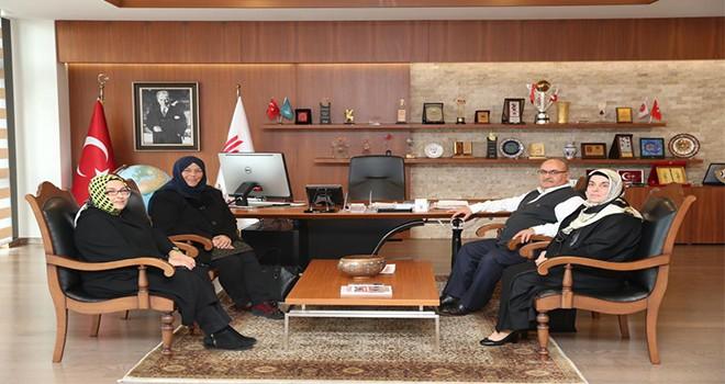 Yazar Sibel Eraslan'dan Başkan Hasan Can'a Ziyaret