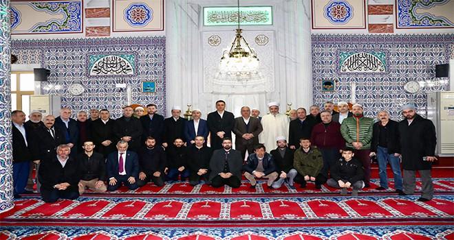 Başkan Hasan Can Sabah Namazı Buluşmalarında İlim Sarayı Camii Cemaatiyle Bir Araya Geldi