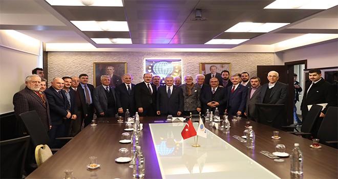 TBMM Başkanı ve AK Parti İstanbul Büyükşehir Belediye Başkan Adayı Binali Yıldırım, İMES Sanayi Sitesi'ndeki İstişare Toplantısına Katıldı
